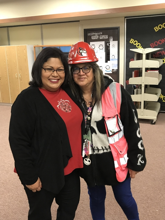 Congratulations to proctor Normandy Esparza, the latest recipient of the Cottonwood Hard Hat!