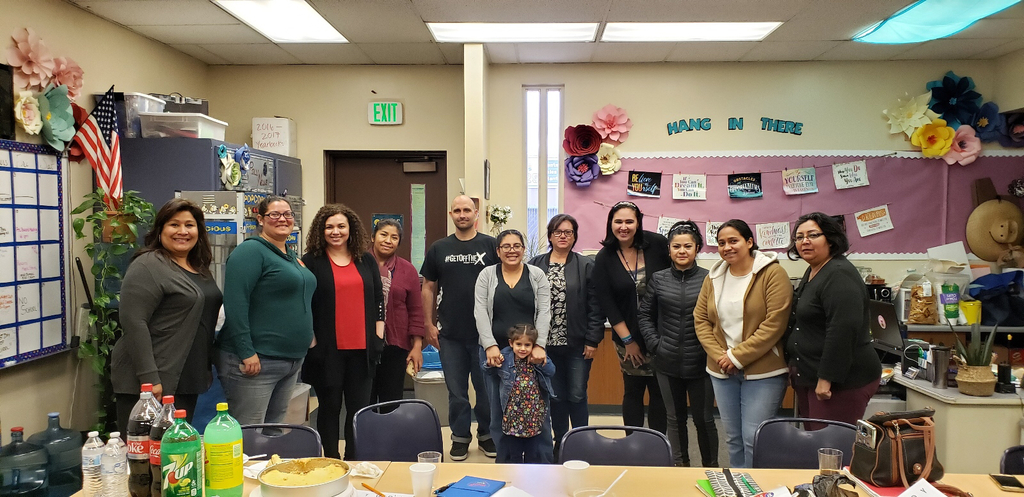 Spanish and English class participants