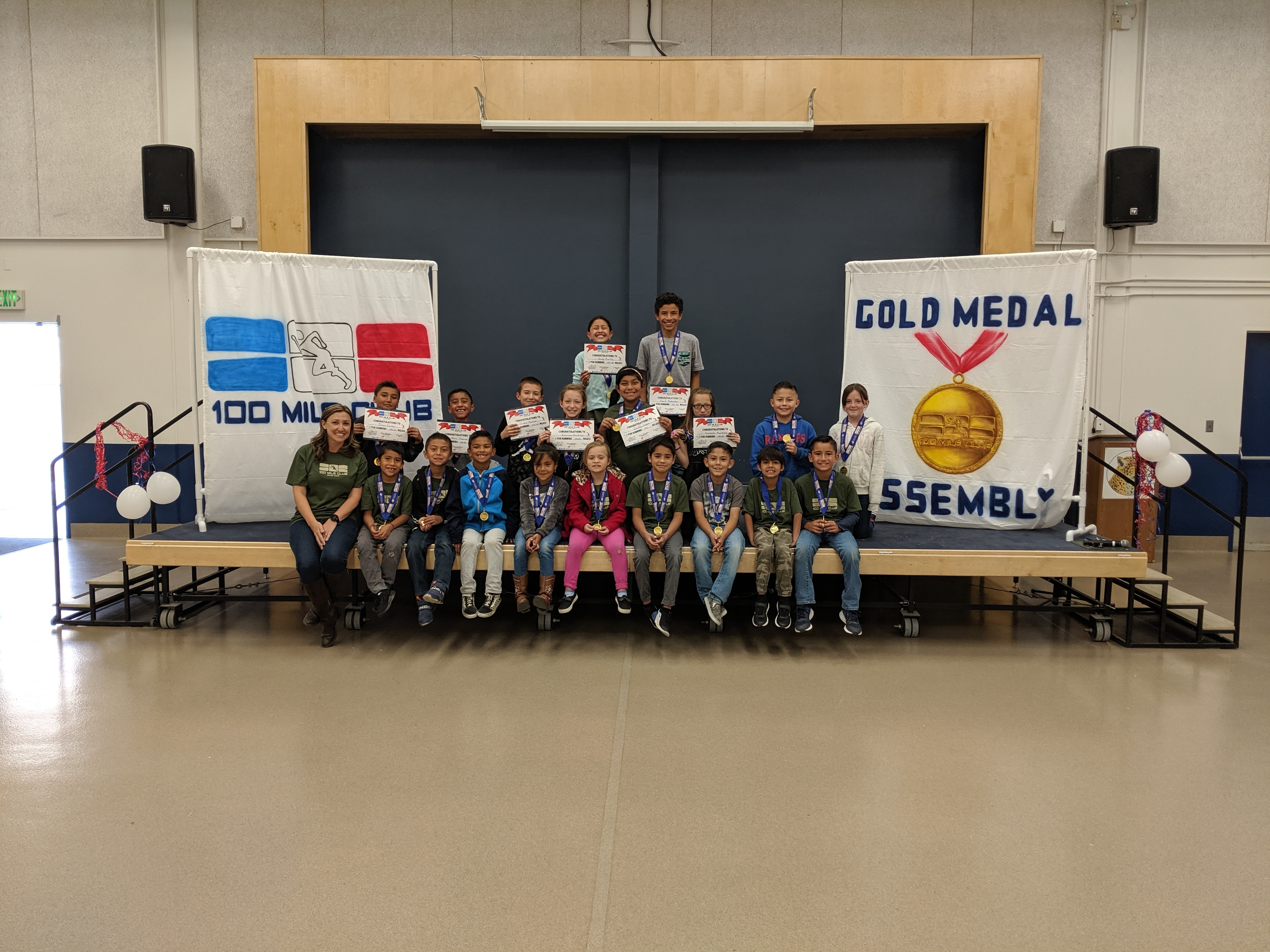 Picture of 100 Mile Club Gold Medal Winners